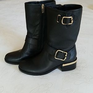 Vince Camuto Boots sz.7 NWT never worn